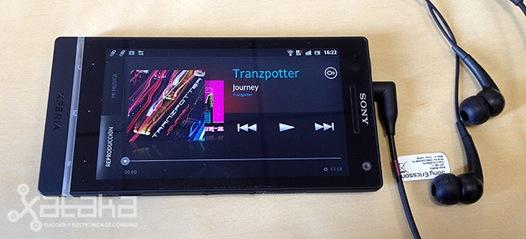 Sony-Xperia-S-12